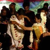 wed26 bride garlanding